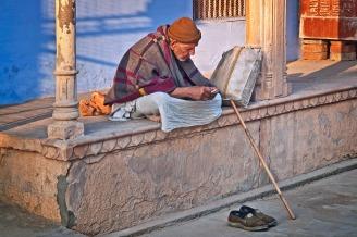 Photo by Devanath, pixabay.com (https://pixabay.com/en/old-man-india-sadhu-travel-asia-1145469/)